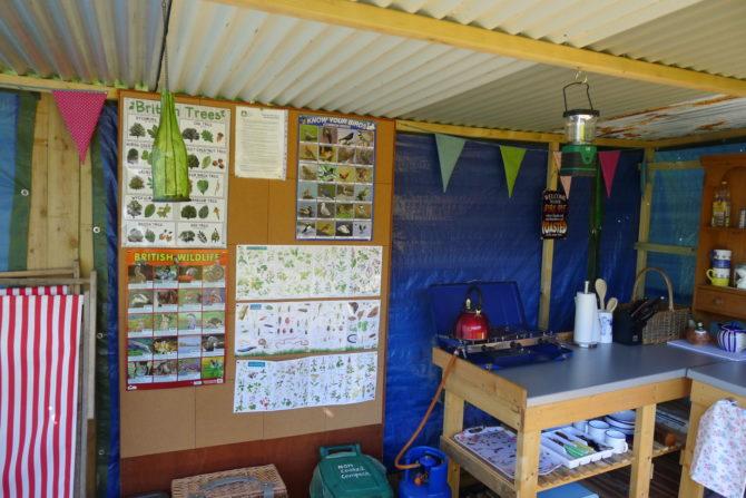 Cwt Gwyrdd Camp Kitchen Units