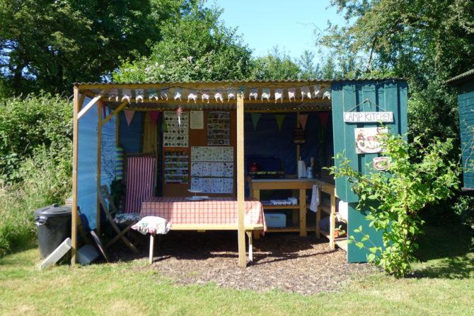 Cwt Gwyrdd Camp Kitchen