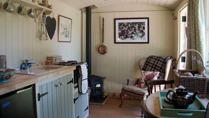 5cc2467f4a7 Glamping Pembrokeshire at Cwt Gwyrdd Shepherd s Hut